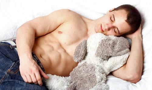 sleeping-bodybuilder